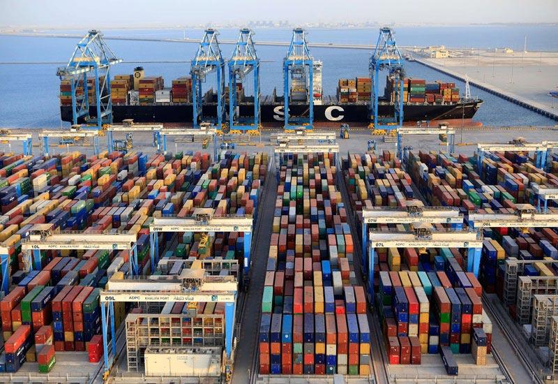 La terminal de contenedores del puerto de Khalifa sigue con Bromma